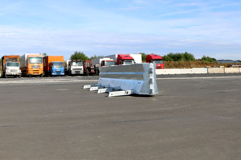 freestanding steel road blocker